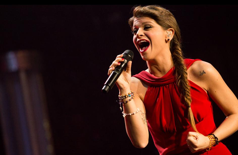 Famoso Alessandra Amoroso presenta in anteprima il video del nuovo  YK07
