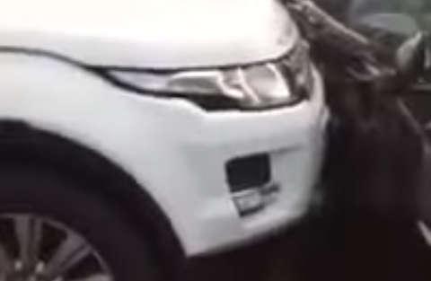 Sfida a colpi di auto: Range Rover VS Jaguar