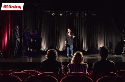 Prova di improvvisazione in teatro per Chiara