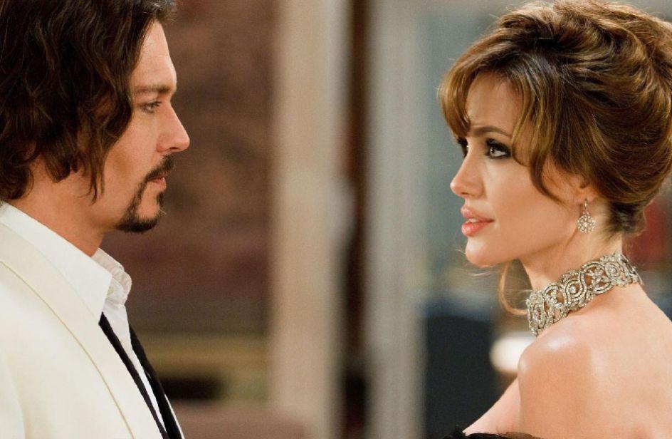 Angelina Jolie e Johnny Depp freschi di separazione sono più uniti che mai