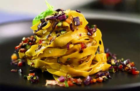 Fettuccelle con verdurine al wok - Kitchen Sound