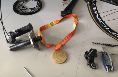 medaglia_olimpica_alex_zanardi