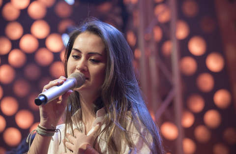 New Generation - Jasmine Thompson - Adore