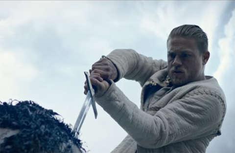 King Arthur: Il potere della spada di Guy Ritchie uscirà l'11 maggio