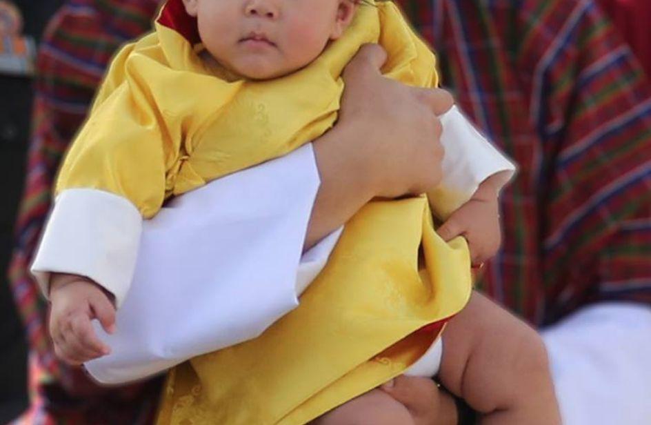 Il principino di Bhutan: così adorabile da far concorrenza al piccolo George