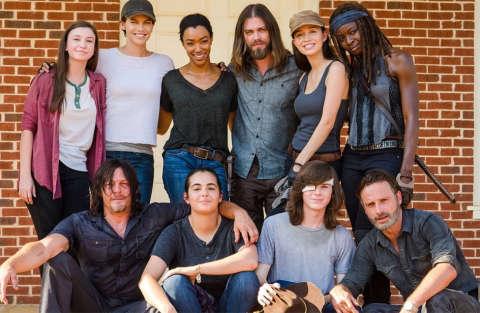 """The Walking Dead: tutti uniti contro Negan e """"Lucille"""""""