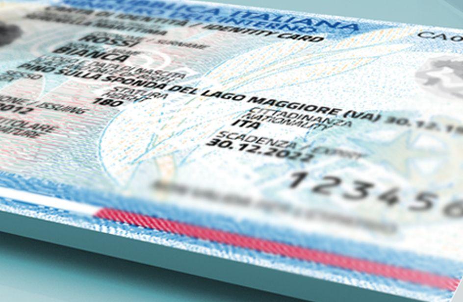 Entro il 2018 tutti dovranno avere la nuova carta di for Carta di soggiorno 2017 documenti