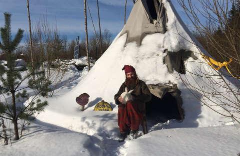 Lo Hobbit esiste e vive in Russia con il coniglio Petruschka