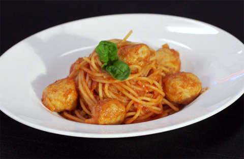 spaghetti_with_meatballs_alessandro_borghese_kitchen_sound_puntata_seconda_terza_stagione_rds