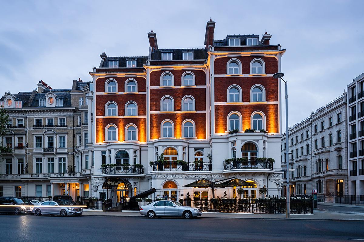 Baglioni_Hotel_London_gioca_con_rds_famiglia_all_improvviso_01