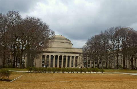 250 mila dollari per i disobbedienti dal MIT di Boston!