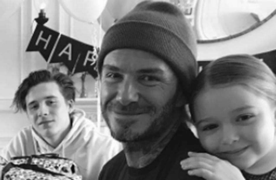 David Beckham, per il compleanno eccolo con i quattro figli