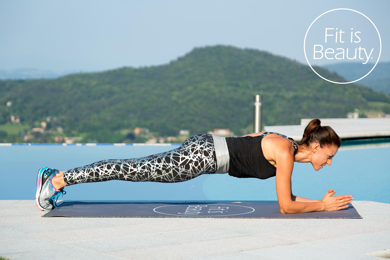 Addominali piatti: le varianti del plank che ti daranno incredibili risultati