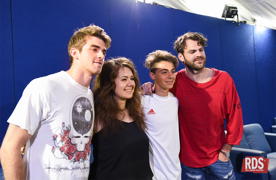 chainsmokers-backstage